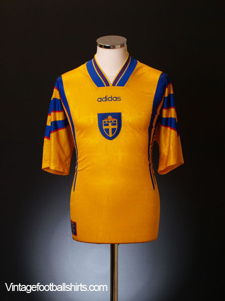 1996-98 Sweden Home Shirt M