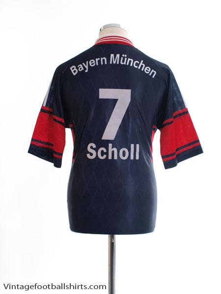 1997-99 Bayern Munich Home Shirt Scholl #7 S