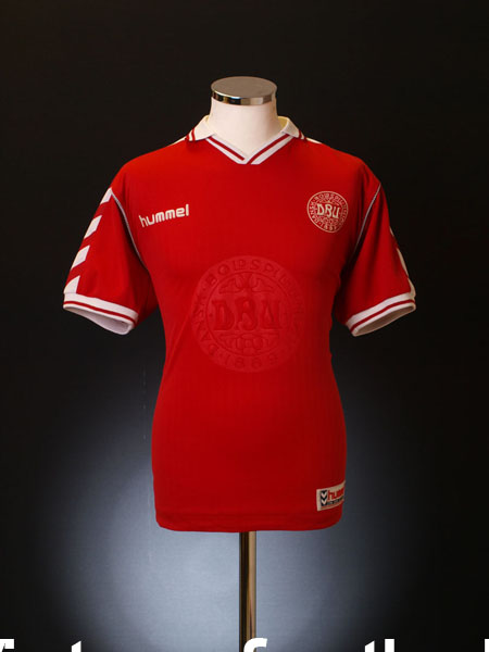 1998-00 Denmark Home Shirt S