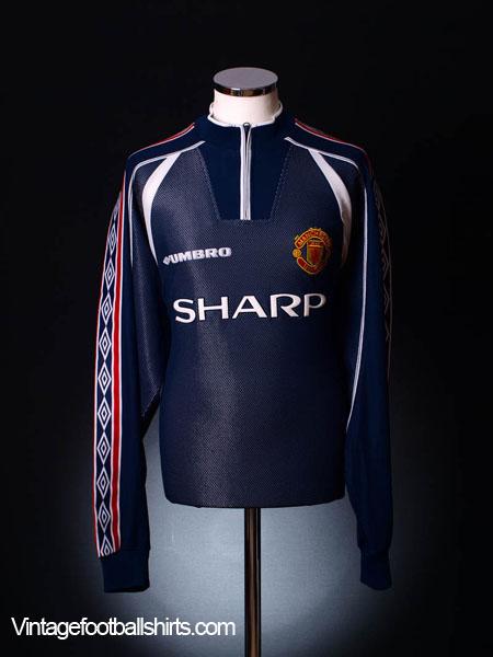c6bb447b467 man utd goalkeeper kit on sale   OFF33% Discounts