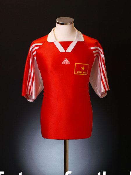 1998-99 Vietnam Home Shirt XL