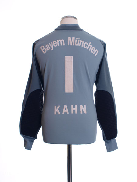 2001-02 Bayern Munich Goalkeeper Shirt Kahn #1 Y