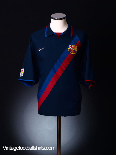 2002-04 Barcelona Away Shirt L