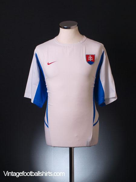 2002-04 Slovakia Away Shirt L