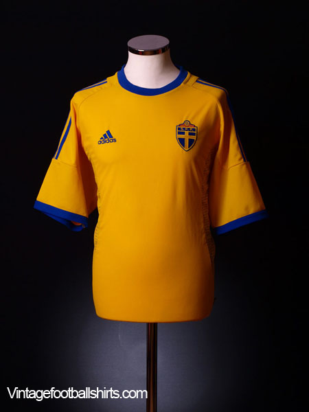 2002-04 Sweden Home Shirt L