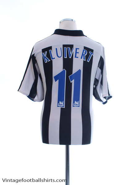2003-05 Newcastle Home Shirt Kluivert #11 L - 021786