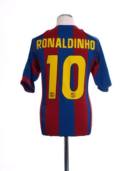 2004-05 Barcelona Home Shirt Ronaldinho #10 M