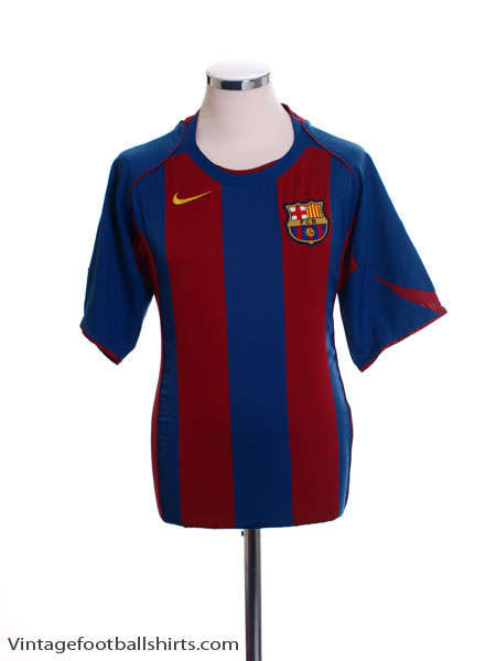 2004-05 Barcelona Home Shirt L