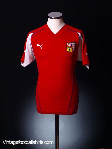 2004-05 Czech Republic Home Shirt L