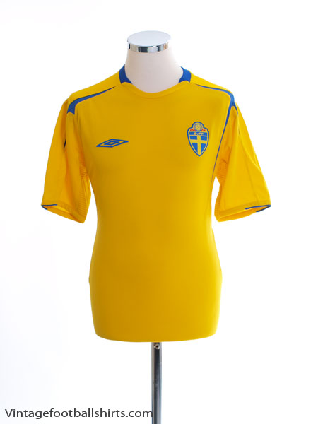 2004-05 Sweden Home Shirt M