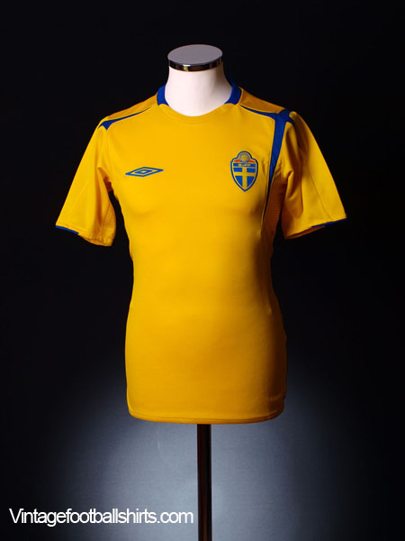2004-06 Sweden Home Shirt *Mint* S