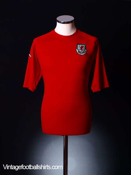 2004-06 Wales Home Shirt XL.Boys