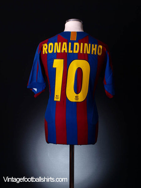 2005-06 Barcelona Home Shirt Ronaldinho  10 L for sale 903e73f37