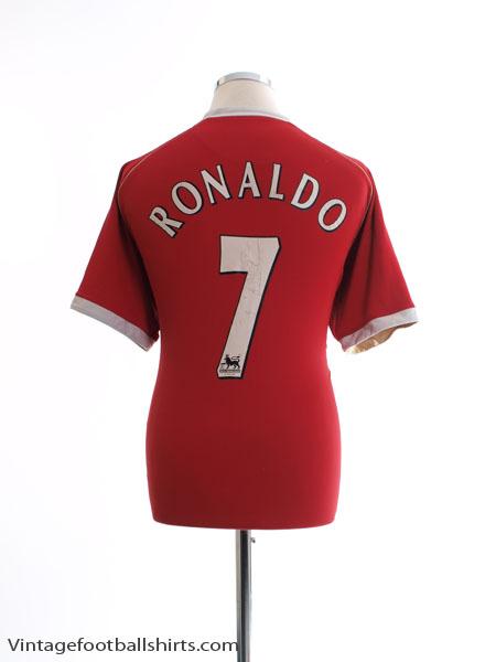 2006-07 Manchester United Home Shirt Ronaldo #7 L