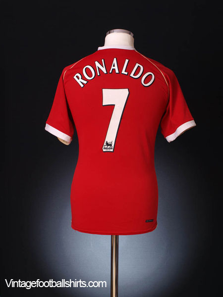 2006-07 Manchester United Home Shirt Ronaldo #7 L