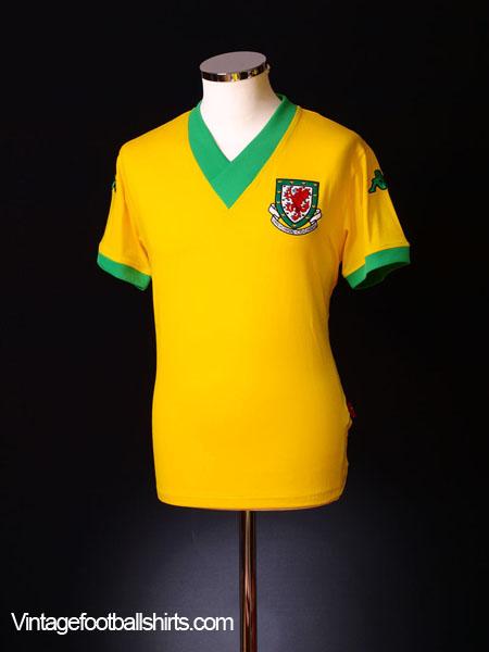 2006-07 Wales Away Shirt L