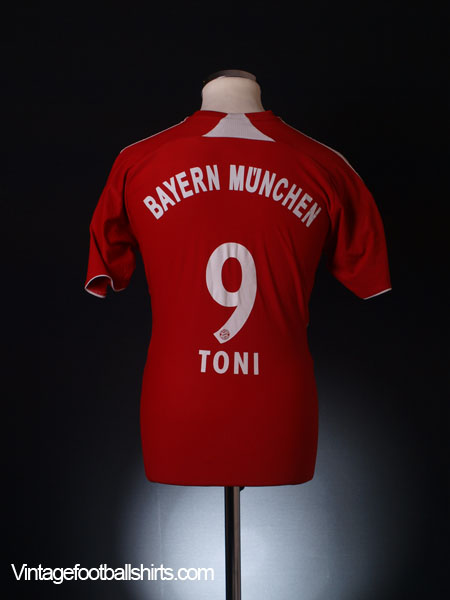 2007-08 Bayern Munich Home Shirt Toni #9 S