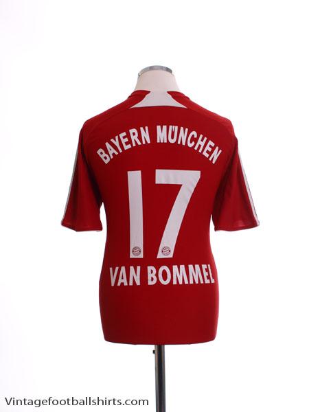2007-08 Bayern Munich Home Shirt Van Bommel #17 M