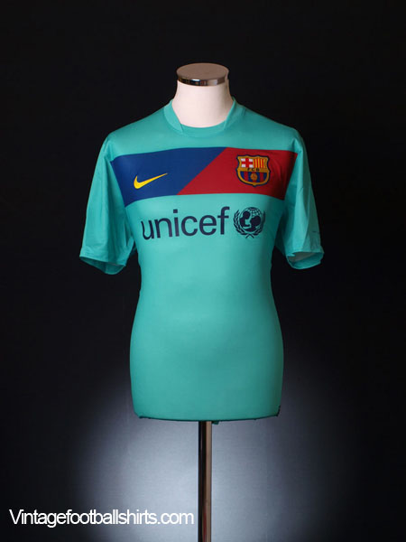 2010-11 Barcelona Away Shirt M.Boys