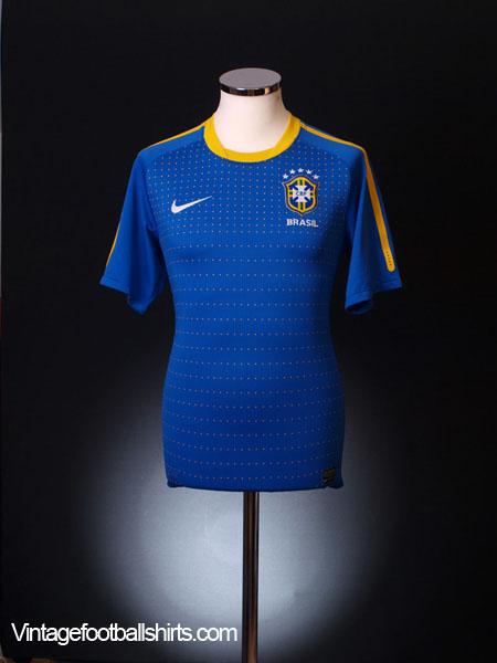 2010-11 Brazil Away Shirt S