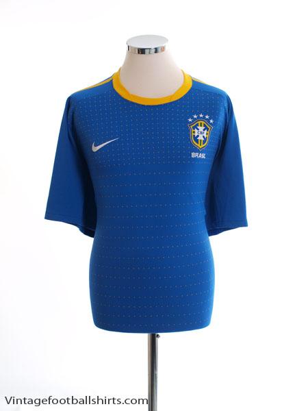 2010-11 Brazil Away Shirt S - 369251-493