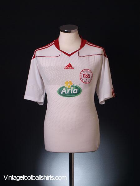 2010-11 Denmark Away Shirt M
