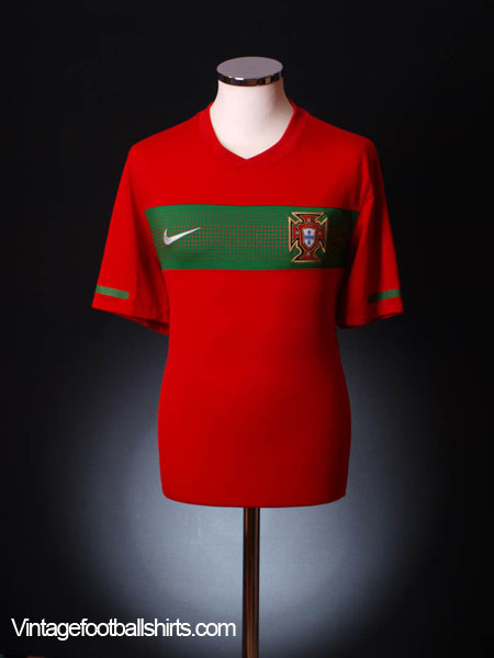 2010-11 Portugal Home Shirt S