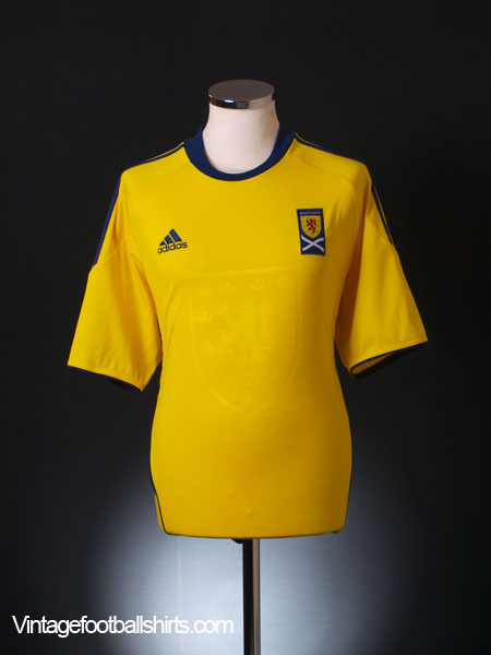2010-11 Scotland Away Shirt L
