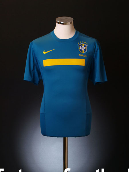 2011-12 Brazil Away Shirt XL