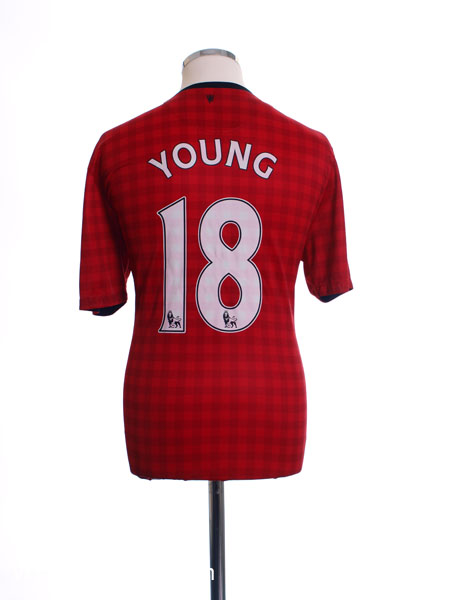 2012-13 Manchester United Home Shirt Young #18 L