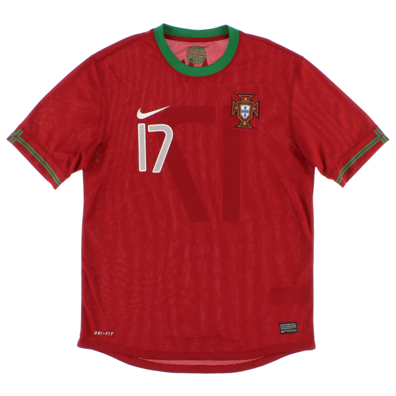 2012-14 Portugal Home Shirt Nani #17 M - 447883-638