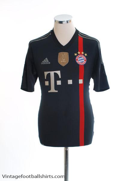 2014-15 Bayern Munich Third Shirt S