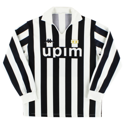 the best attitude 22d74 cf736 Classic and Retro Juventus Football Shirts   Vintage ...