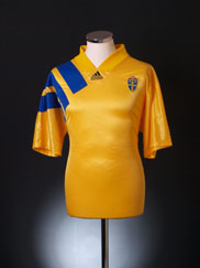 1992-94 Sweden Home Shirt *As New* L