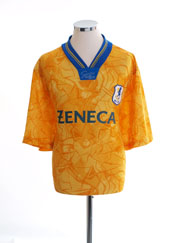 Macclesfield Town  Away shirt  (Original)