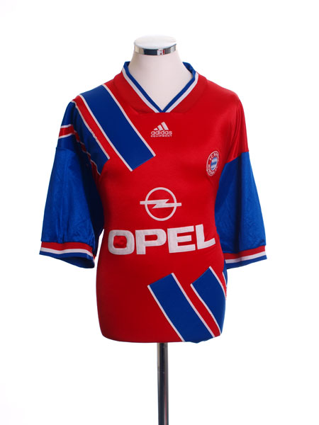 pretty nice a131b 0326e Classic and Retro Bayern Munich Football Shirts   Vintage ...