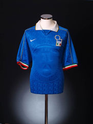 1994-95 Italy Home Shirt L