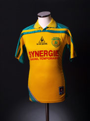 2001-02 Nantes Home Shirt XS