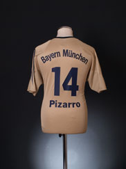 2004-05 Bayern Munich Away Shirt Pizarro #14 M