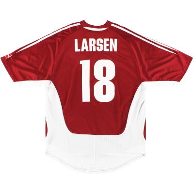 2004-06 Denmark adidas Home Shirt Larsen #18 M
