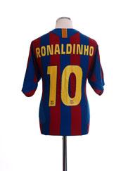 2005-06 Barcelona Home Shirt Ronaldinho #10 L