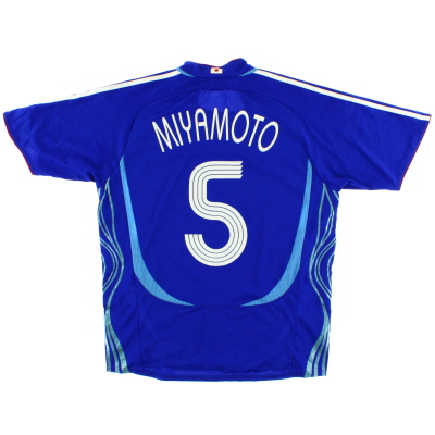 2006-08 Japan Home Shirt Miyamoto #5 M