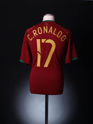 2006-08 Portugal Home Shirt Ronaldo #17 L