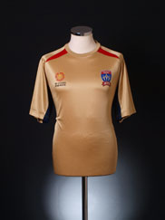 2009-10 Newcastle Jets Home Shirt M