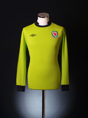 2011-12 Wales Goalkeeper Shirt M